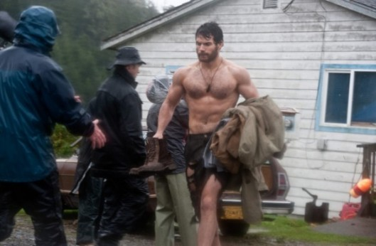 2011-superman-man-of-steel-henry-cavill-set-photo-1